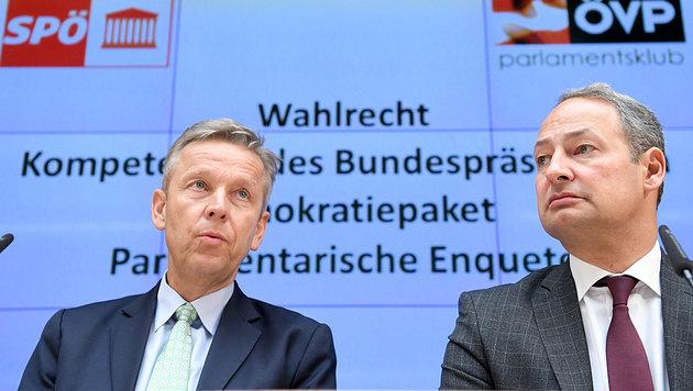 Die Klubobleute Lopatka und Schieder bei der Präsentation der Wahlrechtsreform (Bild: APA/ROLAND SCHLAGER)