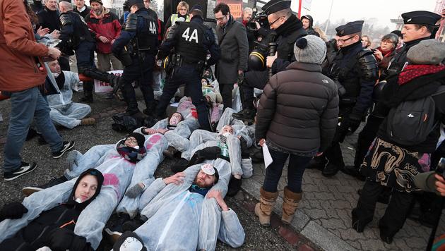 CETA-Gegner hatten Mittwochfrüh das EU-Parlament blockiert. (Bild: AFP)
