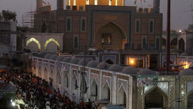 Pakistan: Dutzende Tote nach Anschlag auf Schrein (Bild: AFP/Yousuf Nagori)