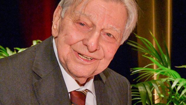 Der ORF gratuliert Jubilar Hugo Portisch, der am Sonntag seinen 90er feiert. (Bild: ORF)