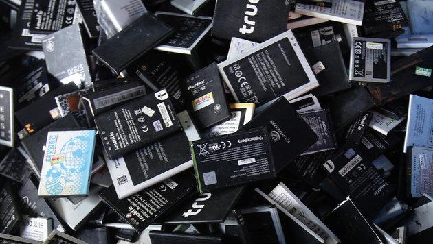 So lagern und sammeln Sie Lithium-Akkus richtig (Bild: AP)
