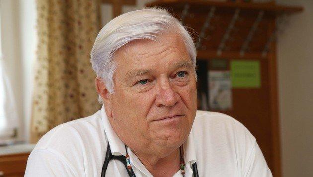 Gerald Sieder sieht den Beruf des Hausarztes gefährdet (Bild: Jürgen Radspieler)