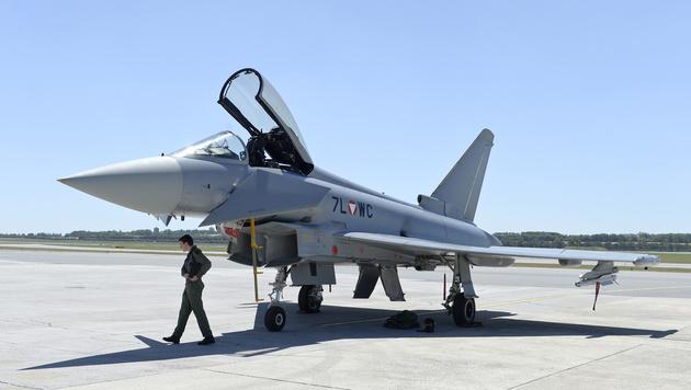 """Die peinlichsten Pannen der """"Ära"""" Eurofighter (Bild: APA/Herbert Neubauer)"""
