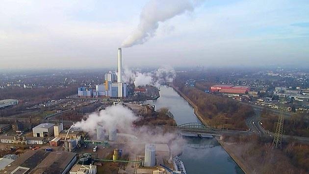 Chemieunfall: Giftige Säurewolke über Oberhausen (Bild: EPA)
