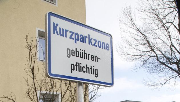 """Neue Tafeln für die """"Zone"""". (Bild: Uta Rojsek-Wiedergut)"""