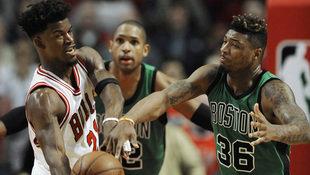 NBA: Bulls besiegen Celtics in letzter Sekunde (Bild: AP)