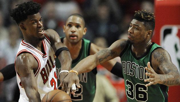 Jimmy Butler (ganz links) (Bild: AP)