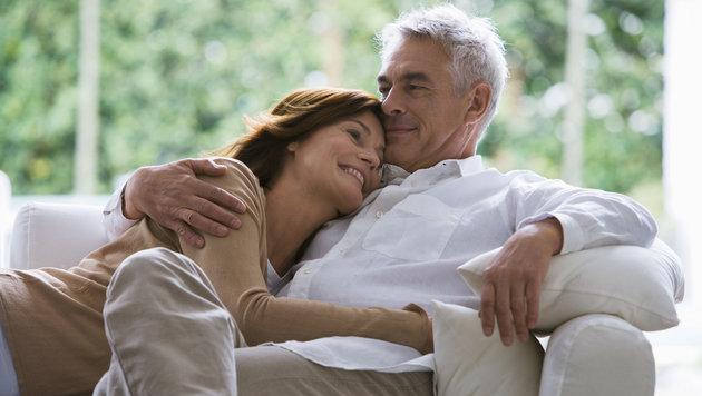 Der Traum aller Frischvermählten: gemeinsam alt werden (Bild: thinkstockphotos.de)