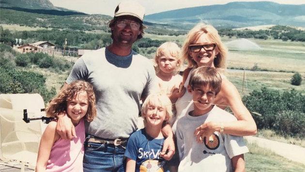 Goldie Hawn und ihre Familie vor Jahren (Bild: face to face)