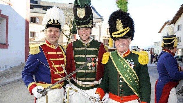 Günther (Mauterndorf), Martin (Mariapfarr),  Karl (Tamsweg) schwingen die Säbel. (Bild: Roland Holitzky)