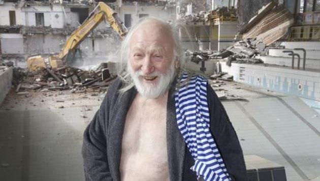 Mit Nacktheit hat Schauspieler Karl Merkatz  sichtlich kein Problem. (Bild: Markus Tschepp)