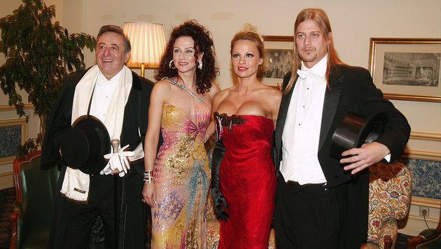 Richard Lugner mit Mausi, Pamela Anderson und deren Ex-Mann Kid Rock (Bild: Leopold Nekula / VIENNAREPORT)