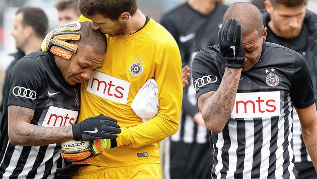 Partizan-Belgrad-Spieler Everton Luiz wurde von Fans rassistisch beleidigt. (Bild: AFP/STR)