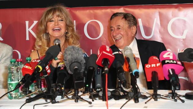 Goldie Hawn und Richard Lugner verstehen sich gut. (Bild: Starpix/ Alexander TUMA)