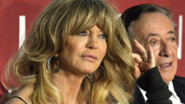 Goldie Hawn verzauberte mit ihrem Charme nicht nur Baumeister Lugner. (Bild: APA/HERBERT PFARRHOFER)