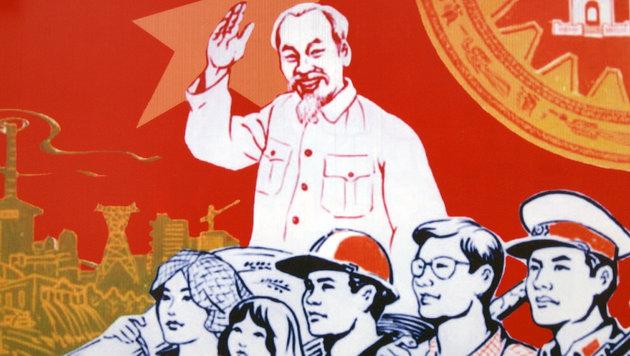 """Ein Denkmal in Wien für Massenmörder Ho Chi Minh (Bild: """"Krone"""")"""