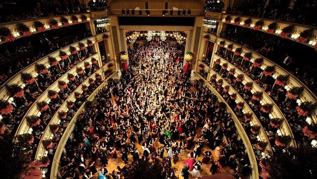 Die glanzvolle Geschichte des Wiener Opernballs (Bild: HELMUT FOHRINGER)