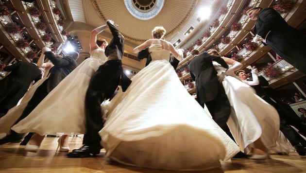 Die Debütanten bei der Eröffnung (Bild: APA/GEORG HOCHMUTH)