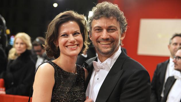 Jonas Kaufmann mit Christiane Lutz (Bild: APA/HERBERT NEUBAUER)
