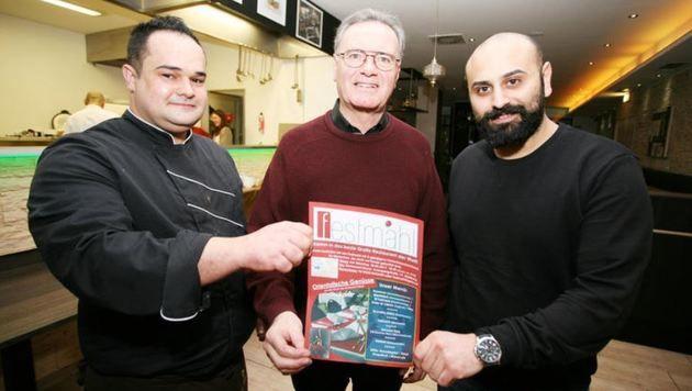 Organisator Christian Rauch (m.) mit Koch Daniel Klose und Unterstützer Hayat-Chef Rabie Hijaz (re.) (Bild: Max Grill)