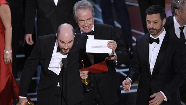 Warren Beatty war sein Fehler sichtlich peinlich. (Bild: Chris Pizzello/Invision/AP)