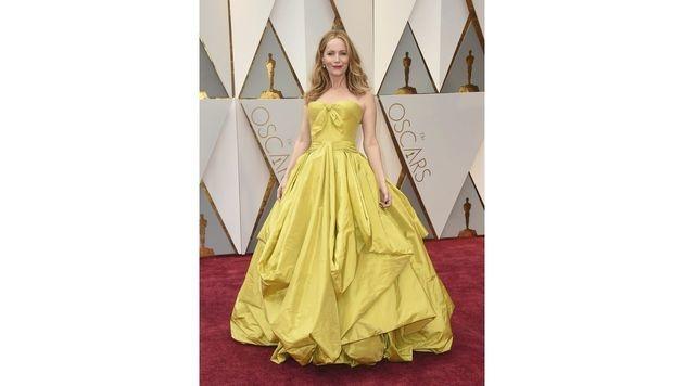 Leslie Mann war in ihrer gelben Zac-Posen-Robe ein echter Farbklecks am roten Teppich. (Bild: Jordan Strauss/Invision/AP)