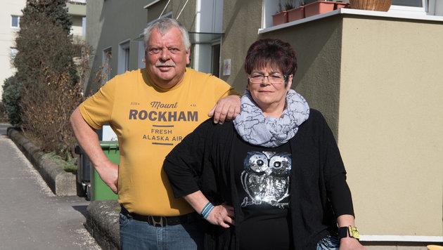 Das Ehepaar Molnhuber aus Linz blieb auf dem Schaden sitzen. (Bild: FOTOKERSCHI.AT/KERSCHBAUMMAYR)