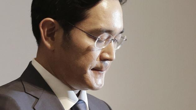 Samsung-Erbe Lee wegen Korruption angeklagt (Bild: AP)