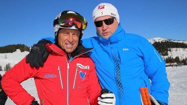 Karl-Heinz Prentner mit Hans Enn beim â01EKroneâ01C-Skitag auf der Postalm. Im März entscheidet sich viel. (Bild: Marion Hörmandinger)