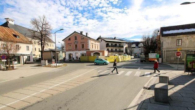 Jetzt ist bei der Kreuzung auf Höhe Stadtplatz in Saalfelden aber doch ein Kreisverkehr möglich. (Bild: Stadtgemeinde)