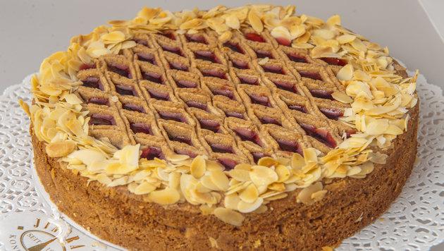 Bäcker Jindrak verkauft seine Linzer Torte auch online. (Bild: unbekannt)