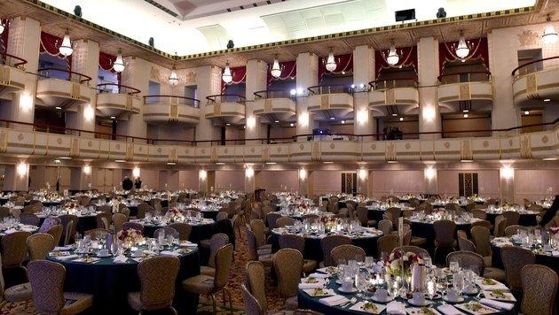 Der große Ballsaal im Waldorf (Bild: AFP)