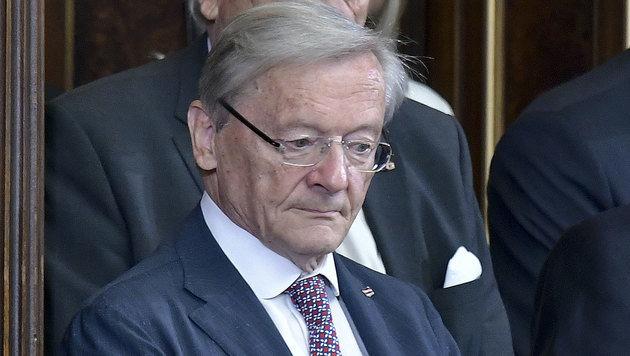 Ex-Bundeskanzler Schüssel steht weiterhin zum ursprünglichen Eurofighter-Deal. (Bild: APA/HERBERT NEUBAUER)