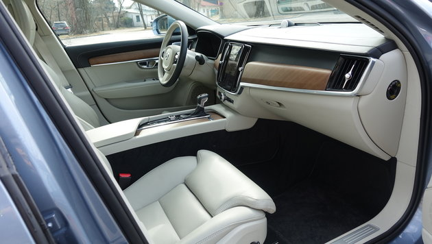 Volvo S90: Wie premium ist Vierzylinder-Diesel? (Bild: Stephan Schätzl)