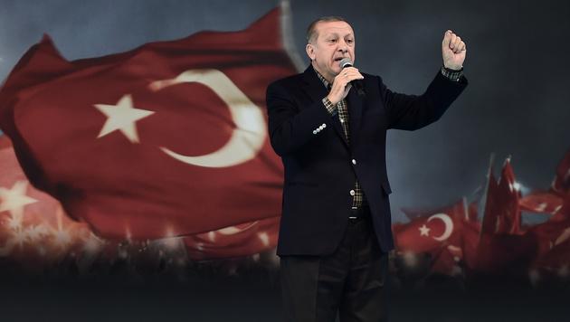 Täglich neue Angriffe des türkischen Präsidenten Erdogan gegen die Niederlande (Bild: AFP)