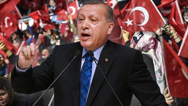 Regierung warnt Erdogan vor Deutschland-Auftritt (Bild: APA/AFP/Ozan Kose, APA/AFP/Adem Altan)