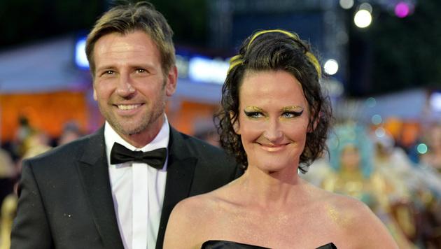 """Volker Piesczek und Eva Glawischnig 2015 am """"Life Ball"""" (Bild: APA/HERBERT NEUBAUER)"""