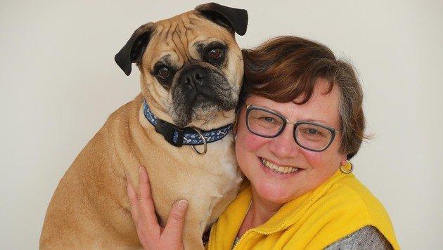 Lässiges Team: Renate Galka und ihr Hundi. (Bild: Juergen Radspieler)