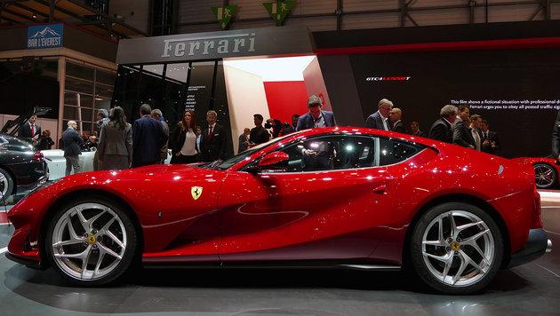 Ferrari 812 Superfast: Nomen est omen (Bild: Stephan Schätzl)