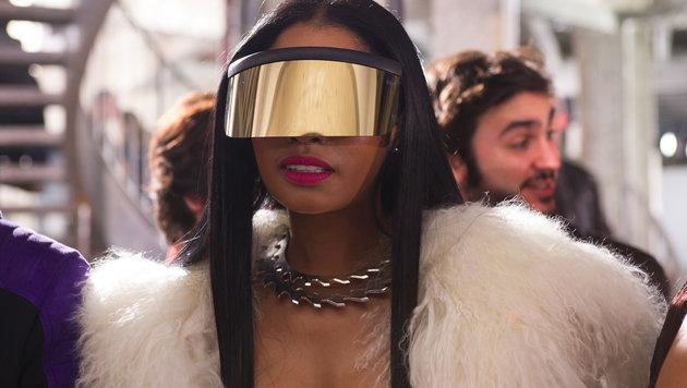 Nicki Minaj mit Oversize-Brille (Bild: Viennareport)