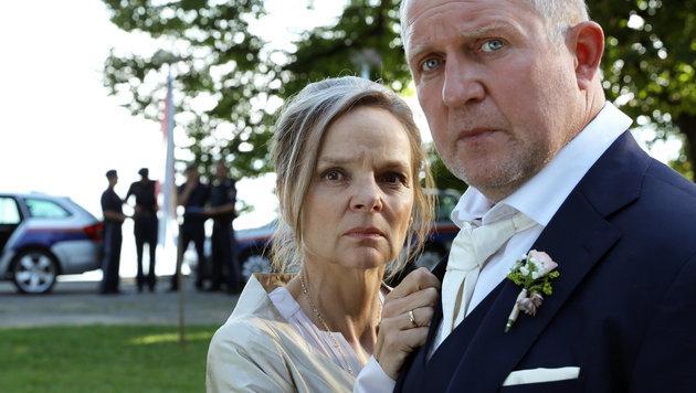 Sissy Höfferer und Harald Krassnitzer als vermögendes Ehepaar Höflinger (Bild: ORF)