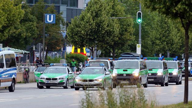 22. Juli 2016: Bei einem Amoklauf in München werden neun Menschen und auch der Täter selbst getötet. (Bild: APA/dpa/Karl-Josef Hildenbrand)