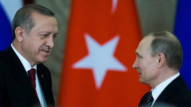 Haben sich einander wieder etwas angenähert: Erdogan und Putin (Bild: AFP)