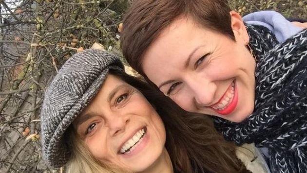 Schnappschuss mit Star-Köchin Sarah Wiener (links). (Bild: Doris Heinrich)