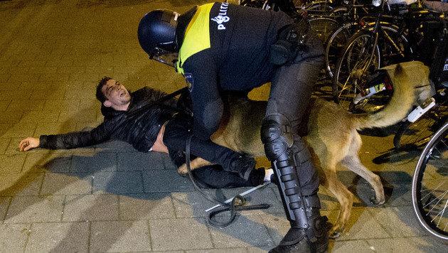 """""""Vorsicht"""": Niederlande warnen Türkei-Reisende (Bild: AP)"""
