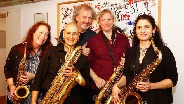 Tiptons Sax Quartet aus Seatle setzte  gemeinsam mit dem Salzburger Robert Kainar den Startschuss. (Bild: Gerhard Schiel)