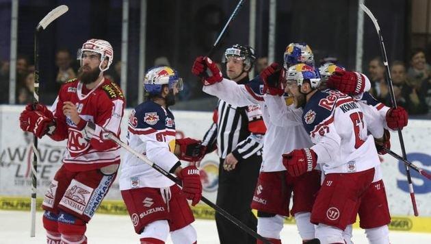 Auch in der vergangenen Saison hatten die Eis-Bullen im Treff mit dem KAC das bessere Ende für sich. (Bild: Andreas Tröster)