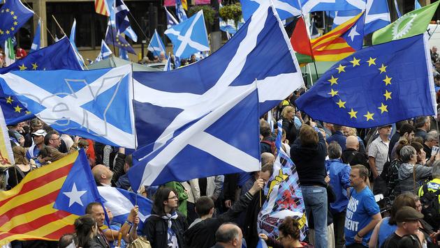 Britisches Parlament stimmt für Brexit-Gesetz (Bild: AFP)