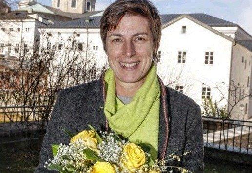 Freude über Blumen: Astrid Rössler. Politische Sorgen gibt's genug. (Bild: Markus Tschepp)