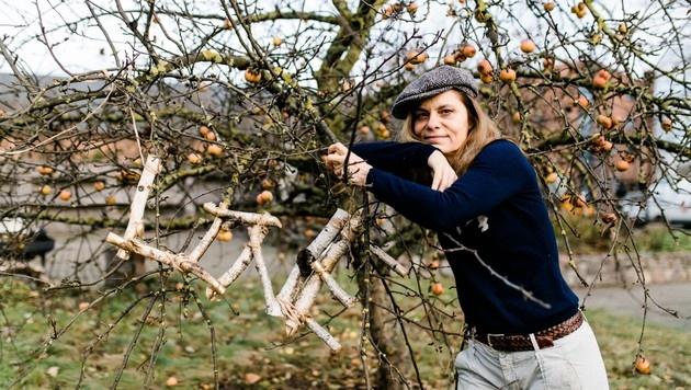 """Sarah Wiener, inszeniert von Künstlerin Heinrich, für das """"The Love Project"""". (Bild: Doris Heinrich)"""